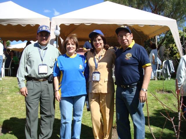 Con el Gobernador Jaime Guevara y Pilar